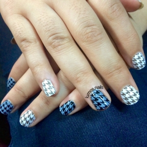 Monochrome houndstooth stamping